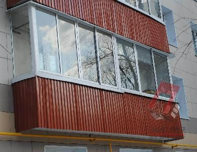 Обшивка балконов профлистом в Санкт-Петербурге