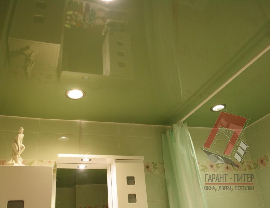 Натяжной потолок в ванную комнату